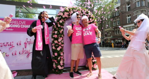 T-mobile Marry a friend for a day | Gay Pride